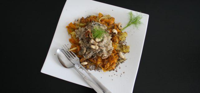 Champignon-Rahm auf Fenchel-Möhren-Gemüse