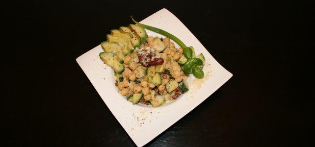 Schneller herbstlicher Kichererbsen-Salat